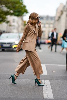 Olivia Palermo Fashion Week Outfits Spring 2018 Olivia Palermo Lookbook, Olivia Palermo Style, Estilo Olivia Palermo, Office Fashion, Work Fashion, Paris Fashion, Fashion Outfits, Womens Fashion, Fashion Weeks