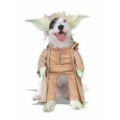 Con este disfraz del maestro Yoda para perro no notarás la diferencia. Total, hablan parecido.