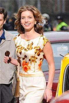 Bridget Pan Am.Love this dress. Cute Dresses, Vintage Dresses, Annabelle Wallis, Nostalgia, Don Draper, Pan Am, Church Dresses, Iconic Characters, Straight Skirt