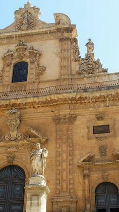 Modica - Duomo basso / particolare  della facciata