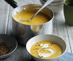 Cauliflower, Carrot and Cumin Soup - Recipes - Soupe - Salad Recipes Healthy Easy Soup Recipes, Healthy Salad Recipes, Raw Food Recipes, Veggie Recipes, Vegetarian Recipes, Cooking Recipes, Vegetarian Eggs, Cooking Videos, Healthy Food