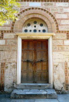 Athènes, Grèce: église byzantine (XI-XII°) à l'entrée de l'Agora. By Marie Hélene Cingal