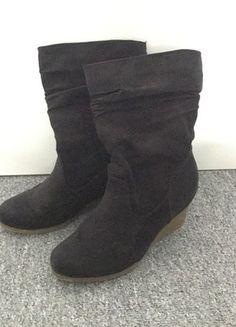 Kaufe meinen Artikel bei #Kleiderkreisel http://www.kleiderkreisel.de/damenschuhe/stiefel/135392626-blaue-stiefel-mit-keilabsatz-wildlederoptik