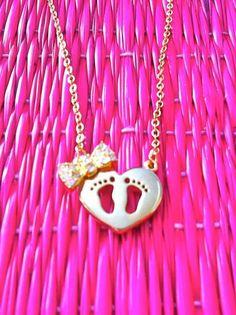 Colar Coração e Pezinhos por Lucky Pencas Joias, semi joias e bijoux