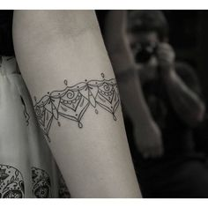 ○BRACELETE○ #marquinhoandretattoo #PortoAlegre #Veranitattoo #tattoo #tatuagem…