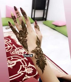 Modern Henna Designs, Floral Henna Designs, Mehndi Designs Book, Finger Henna Designs, Mehndi Designs 2018, Mehndi Designs For Beginners, Mehndi Designs For Girls, Mehndi Design Photos, Wedding Mehndi Designs