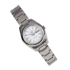 Buying The Right Type Of Mens Watches - Best Fashion Tips Seiko Automatic Watches, Seiko 5 Sports Automatic, Seiko Watches, Big Watches, Sport Watches, Cool Watches, Watches For Men, Digital Watch, Bracelet Watch