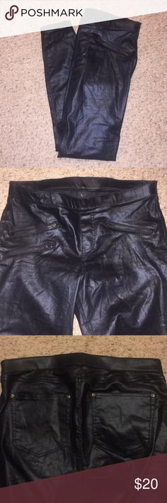 Black Metallic Leggings Black shiny jeggings with elastic waist band and zipper details. Super comfortable and cute. Only worn once! HUE Pants Leggings