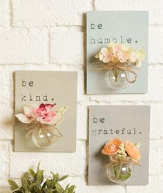 Create a beautiful floral display in no time at all with this Set of 3 Jar Vase Wall Hangings. Each plaque features a heartfelt word or phrase. The a diy home accents Sets of 3 Jar Vase Wall Hangings Diy Décoration, Easy Diy, Sell Diy, Diy Y Manualidades, Deco Originale, Diy Home Decor Projects, Decor Ideas, Diy Ideas, Mothers Day Crafts