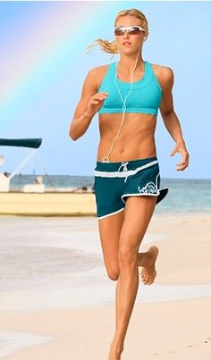 what to wear for a run on the beach