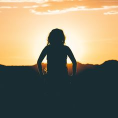 silhouette of person looking at sunset Girl watching the sunset Manu Chao, Sunrise Pictures, Sunset Photos, Sunset Girl, Morning Ritual, Science Photos, Daughter Of God, A Blessing, Best Funny Pictures