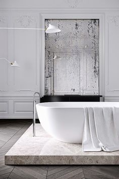 5 Luxurious Freestanding Bathtubs