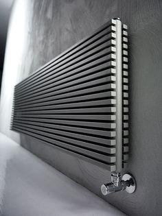 Heißwasser-Heizkörper / aus Metall / originelles Design / Vertikal - BLADE by Peter Rankin - Antrax IT