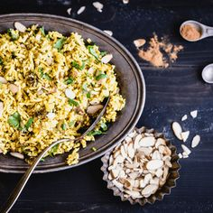 Delicious grain-free Curried Cauliflower Rice is packed with warm spices, crunchy almonds, & sweet raisins. It's grain-free and delish! Paleo Recipes Easy, Rice Recipes, Veggie Recipes, Vegetarian Recipes, Cooking Recipes, Paleo Meals, Veggie Meals, Whole30 Recipes, Curry Recipes