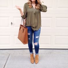 @paigeshealyn Instagram - Fall date night outfit / easy Fall outfits / how to style ankle booties / casual outfit ideas