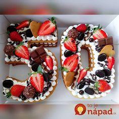 Cukrárka ukázala geniálne triky na zdobenie dezertov, za ktoré by ste si v cukrárni poriadne priplatili: Túto nádheru zvládnete celkom sami! Italian Bakery, Biscuit Cake, Number Cakes, Baking And Pastry, Cool Birthday Cakes, Chocolate Strawberries, Sweet Cakes, Pavlova, Pretty Cakes