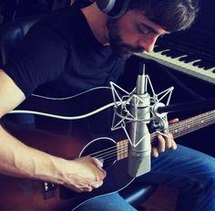 Grabación de guitarras acústicas por Vicen Martínez (www.vicenmartinez.com) para producción musical de GuitarRec.com