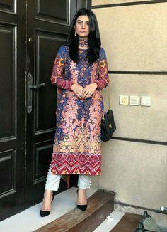 Pakistani Fashion Casual, Pakistani Dresses Casual, Pakistani Dress Design, Indian Dresses, Indian Outfits, Indian Fashion, Casual Dresses, Fashion Dresses, Emo Outfits