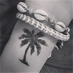 What does palm tree tattoo mean? We have palm tree tattoo ideas, designs, symbolism and we explain the meaning behind the tattoo. Pretty Tattoos, Love Tattoos, Beautiful Tattoos, New Tattoos, Tatoos, Girly Tattoos, Tropisches Tattoo, Piercing Tattoo, Wrist Tattoo