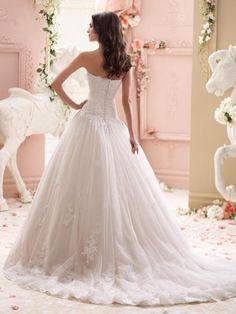 Bruidsjurk prinsessen stijl van kant met mooie sleep