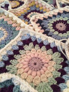 Ravelry: CountryRose7's Starburst blanket