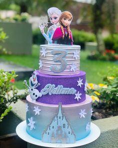 Pastel Frozen, Frozen Two, Frozen Cake, Frozen Party, Frozen Themed Birthday Cake, Themed Cakes, Beautiful Cake Designs, Beautiful Cakes, Bolo Elsa