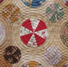 Nice idea for quilting a circle quilt - Pies & Tarts Quilt Longarm Quilting, Free Motion Quilting, Hand Quilting, Machine Quilting, Quilting Projects, Quilting Designs, Quilting Ideas, Circle Quilts, Quilt Blocks