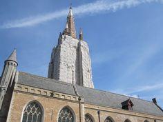 Campanario de la Iglesia de Nuestra Señora en Brujas, Bélgica.