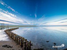 Pellworm - herrliche Wolkenspiegelungen an der Hafeneinfahrt