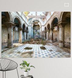 Verlaten Kerk in Italië. van Roman Robroek