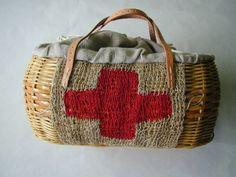Red・Crossの篭bag|ハンドメイド作品の購入・販売 iichi