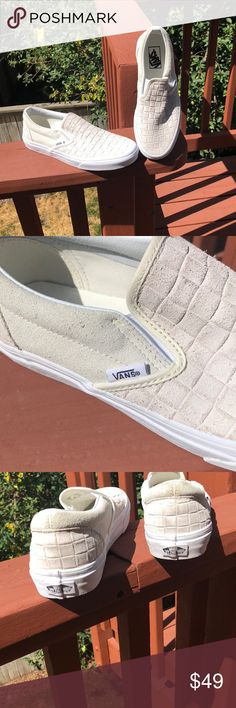 Shop Women s Vans Cream size Flats   Loafers at a discounted price at  Poshmark. Description  New with tags 3833f5926e4