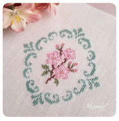 This Pin was discovered by Chr Cross Stitch Love, Cross Stitch Borders, Cross Stitch Flowers, Cross Stitching, Cross Stitch Embroidery, Embroidery Patterns, Cross Stitch Patterns, Fabric Yarn, Crochet Cross
