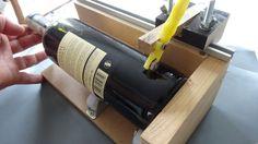 hjemmelavet flaskeskærer, Så er flaskeskæreren klar til et testsnit, men vi skal lige finde en tom vinflaske frem først :-)