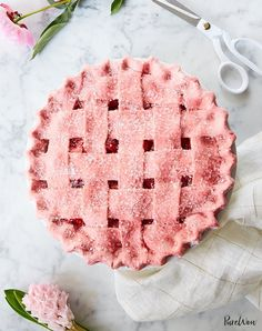 Pie with Strawberry Crust Strawberry Pie with PINK Strawberry Crust- made with freeze dried strawberry powder for a beautiful natural pink!Strawberry Pie with PINK Strawberry Crust- made with freeze dried strawberry powder for a beautiful natural pink! Freeze Dried Strawberries, Recipes With Strawberries, Pie Dessert, Dessert Table, Dinner Dessert, Fruit Dessert, Pumpkin Dessert, Strawberry Recipes, Strawberry Summer