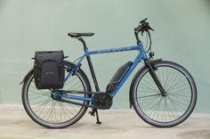 Bevestig of neem uw dubbele fietstas af in één simpele beweging! Bicycle, Vehicles, Bike, Bicycle Kick, Trial Bike, Bicycles, Vehicle