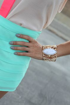 chevron nails #nail #art #classypop #treschic