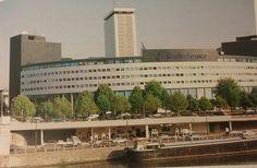 The Maison de la Radio. Paris; An Architectural History, Anthony Sutcliffe 1993.