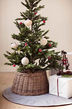#Kremmerhuset #juletre #julekuler #gave #juletrematte #pynt #julepynt #jul