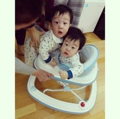 Seo Eon Seo Jun Superman Kids, Song Triplets, Korean Variety Shows, Baby Tumblr, Asian Babies, Character Inspiration, Cute Babies, Twins, Children