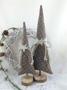 Weihnachtsdeko - 2 Tannenbäume in taupe/natur - ein Designerstück von…