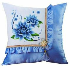 Gorgeous Cross Stitch Pillow use hankie Diy Cushion Covers, Cushion Cover Designs, Pillow Cover Design, Sewing Pillows, Diy Pillows, Decorative Pillows, Throw Pillows, Bed Sheet Painting Design, Fabric Painting