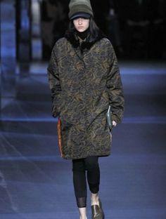 sfilata-moncler-gamme-rouge-autunno-inverno-2014-2015-piumino  #moncler #womenswear #abbigliamentodonna #vestiti #clothes #autunnoinverno #autumnwinter #moda2014 #fashion #autunnoinverno20142015 #autumnwinter2015