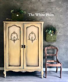 Goldenrod, we are loving you!  The White Plum blended Goldenrod and Antique Villa for the perfect old world finish on this armoire 💛💛💛www.wiseowlpaint.com #wiseowlpaint #blended #painted #furniture #armoire #yellow #goldenrod #antiquevilla