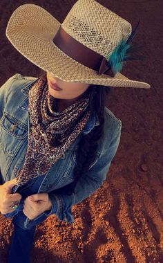 2a19f48d9528d Country girl fashioning with country hats looking amazing.