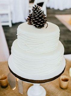 Dit is bij uitstek de makkelijkste taarttopper die ik ooit heb gezien. en leuk dat hij is! //Foto: Jen Yuson Photography.