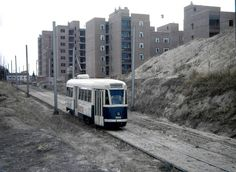 El tranvía en Madrid tuvo en ciertos tramos una plataforma reservada, como el que vemos en la imagen