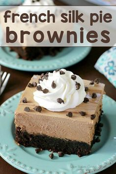 """Fudgy brownies topped with a lusciously decadent French silk pie filling, whipped topping, and more chocolate. This French Silk Pie Brownies recipe will become your """"little black dress"""" of desserts! --- PIN THIS RECIPE --- Brownie Mix Desserts, Desserts Français, Dessert Oreo, French Desserts, Brownie Recipes, Dessert Bars, Chocolate Desserts, Dessert Recipes, French Food"""