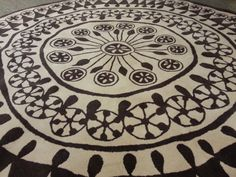 Design Within Reach DWR RANGOLI Area Rug By Nani Marquina Round carpet