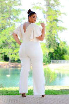 First Look: The Christian Ome'Shun Cosmopolitan Fall Edition http://thecurvyfashionista.com/2016/09/christian-omeshun-cosmopolitan-fall-edition/